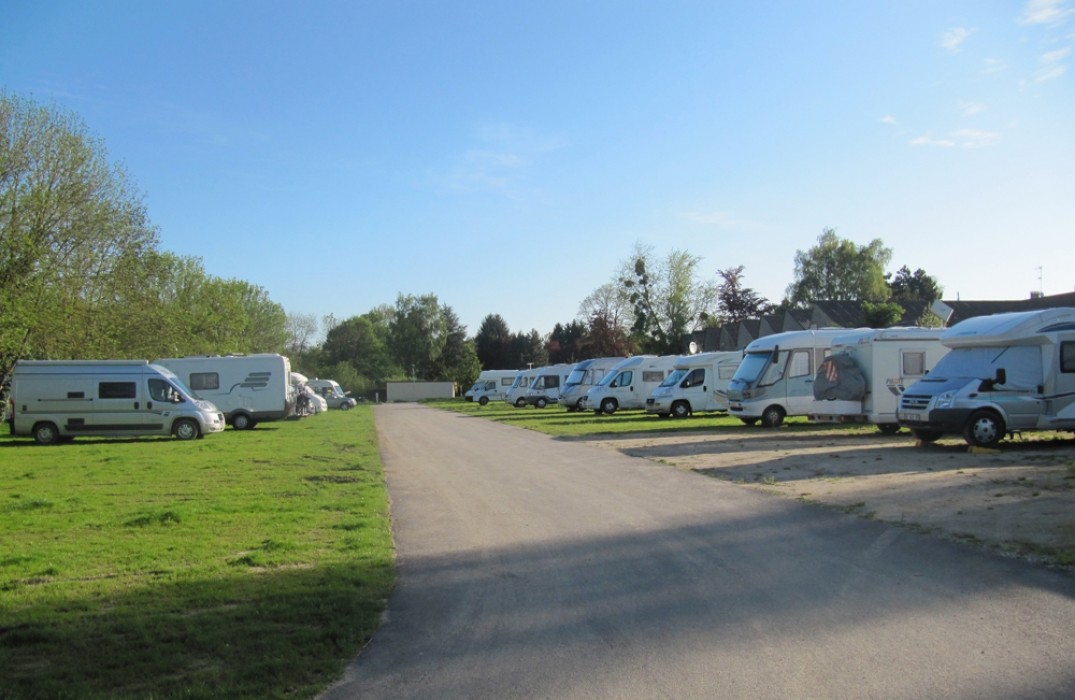 Accommodation prepare your trip tourist office amiens for Camping picardie piscine