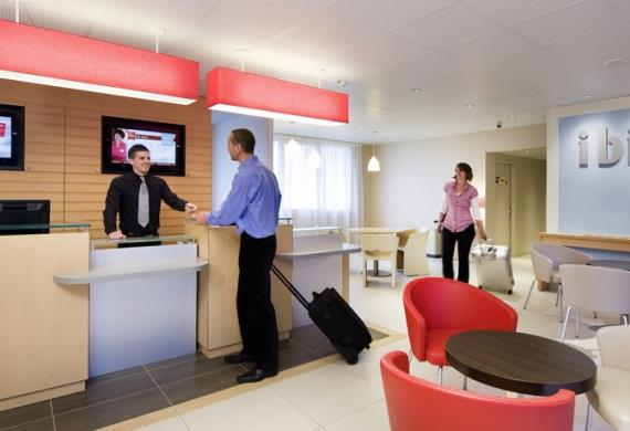 reception-hall-ibis-senlis INT