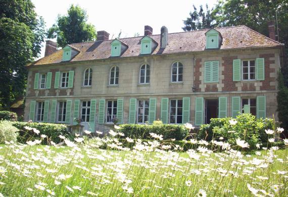 Château de Sacy en juin