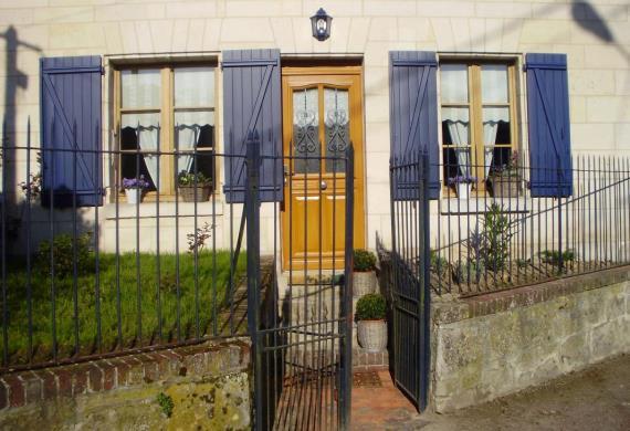 TRACY-LE-MONT La maison bleue