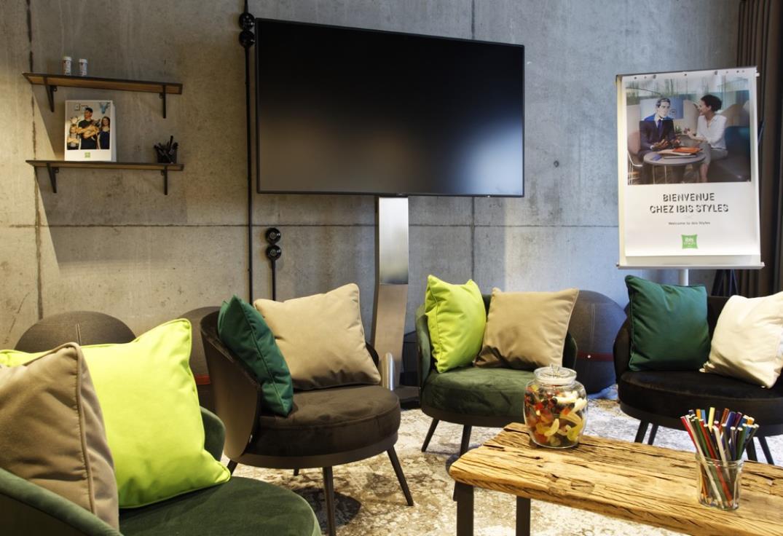 HOTPIC080V50SWSP-Hotel-Ibis-Style-Amiens-Centre-salle-detente3-Amiens-Somme-HautsdeFrance