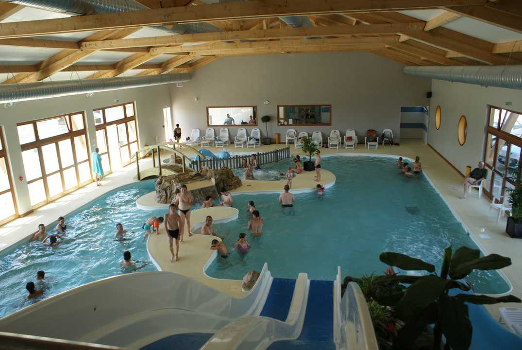 Camping le champ neuf for Piscine saint quentin