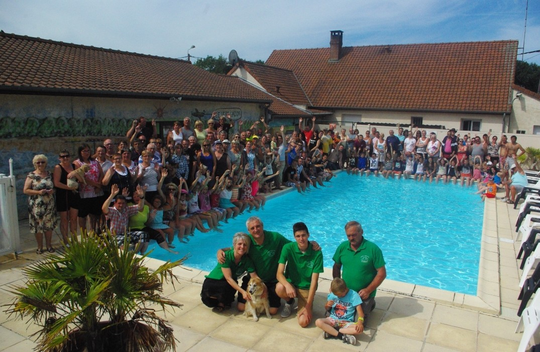 Le vert gazon for Camping picardie piscine