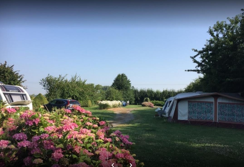 HPAPIC080FS00071_Camping Les Hortensias_emplacements2_Vraignes en Vermandois_Somme_HaiutsdeFrance