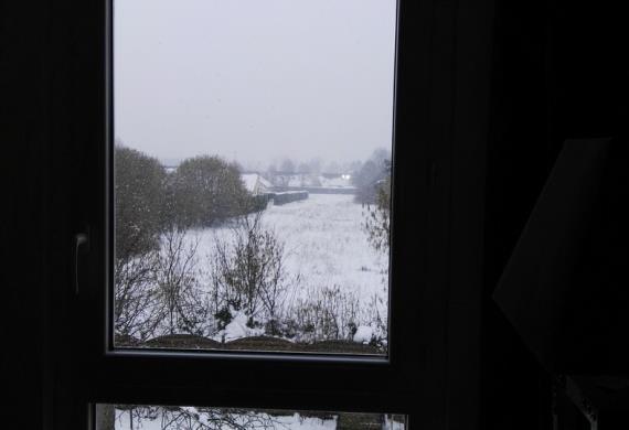 grenier-fenetre-sous-la-neige--Drouart-sophie© Drouart Sophie